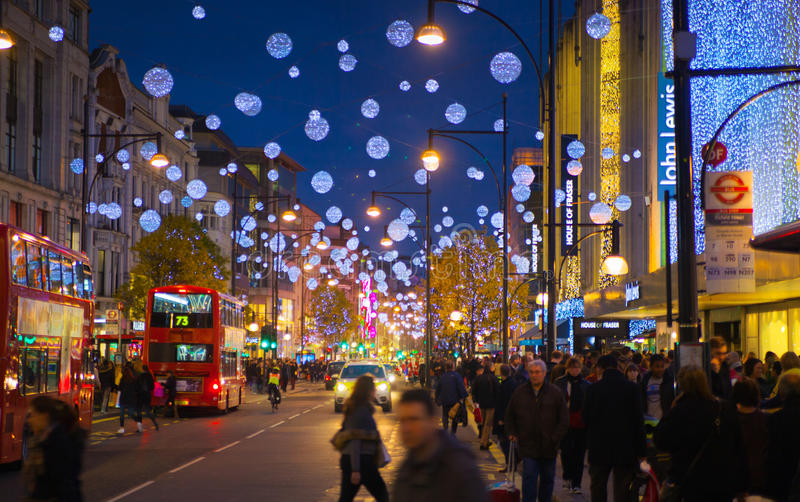 black-friday-weekend-london-first-sale-christmas-oxford-street-uk-november-beautifully-decorated-47687716