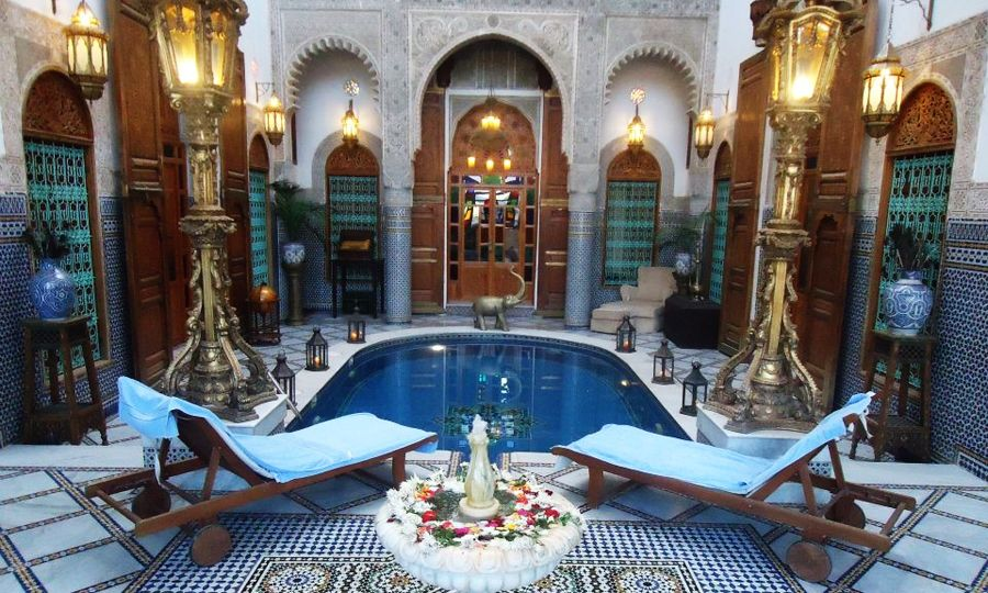 PAROLE DE PRO : Les maisons d'hôtes de Fez-Meknès contre l'OPA de booking.com